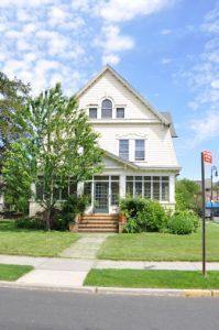 ¿Es su primera vez comprando una casa? Siga estos consejos.